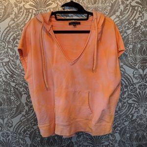 Tie-dye short sleeve hooded top